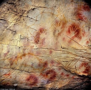 Cave paintings El Castilo