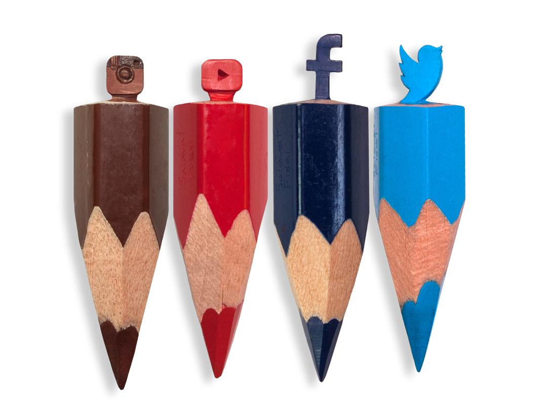 Social media buttons - Salavat Fidai - Micro sculptures pencil carving